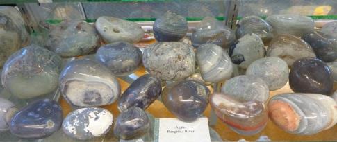 Polished agate stones