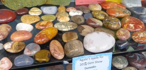 Quartzite stones