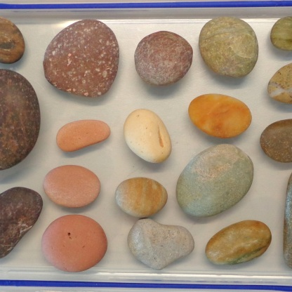Pink stones are rare but present at Birdlings Flat. Some of these stones include ones of volcanic origin, characterised by small white pits
