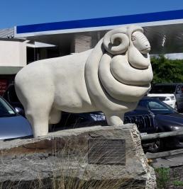 Omarama's merino sheep statue