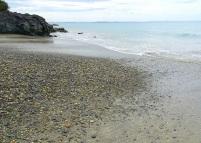 Drift of stones, Henderson Bay