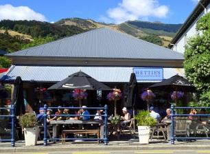 Hettie's Rock and Crystal Shop, Akaroa