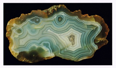 "Banded agate, Rakaia Gorge, Canterbury - Page 230 of Luxton's (2015) ""Agates of New Zealand"""