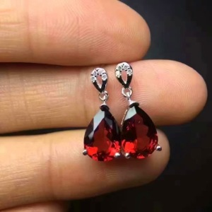 natural-red-garnet-stone-drop-earrings