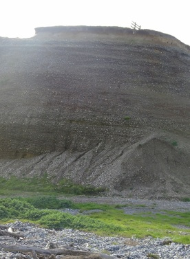 Gravel cliff just at the soulth-eastern end of Te Waewae Lagoon