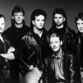 Runrig. Source: https://spinditty.com/artists-bands/Top-Runrig-Songs