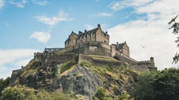Edinburgh Castle from the non-city side. Source: https://www.neweuropetours.eu/sandemans-tours/edinburgh/edinburgh-castle-walking-tour