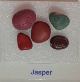 Jasper display in drawer inside Riverton Museum Te Hikoi.