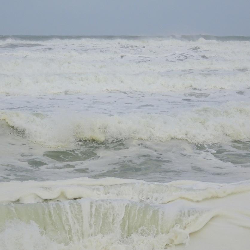 Wild sea at Gemstone Beach