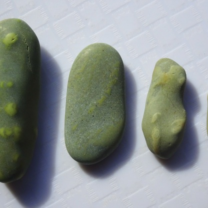 Stones of different sizes - Stones #1, #13, #24 and #37.